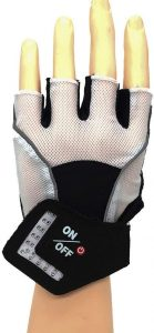 This beautly glove is attached with LED arrow signal light for easy commuting on the road.