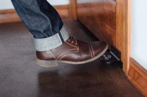 Touchless Door Handle TOEPULL ONESTEP Hands-Free Sanitary Door Opener