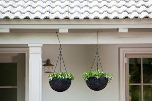 balcony hanging planter